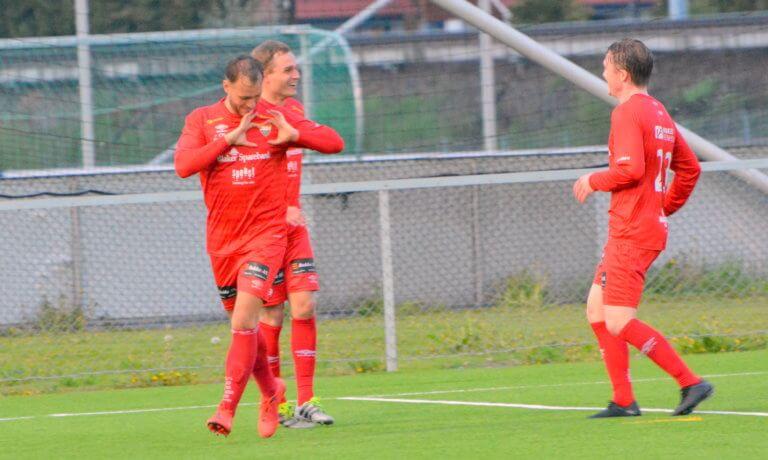 Foran den 10. serierunde i 4. divisjon